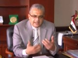 """بعد حظر الدولة تعليقه.. ملصق """"هل صليت على النبي محمد اليوم"""" بمكتب وزير البحث العلمي"""