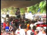 After strong resistance of Campa Cola residents, BMC officials leave compound for a day,Mumbai - Tv9