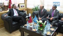 Abdelkader Amara s'entretient ave le DG del'Agence Internationale de l'Energie Atomique