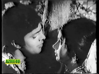 Duniya Kisi Ke Pyar Main Jannat Se Kam Nahin ( The Greatest Ustad Mehdi Hassan Khan)  Waheed Murad