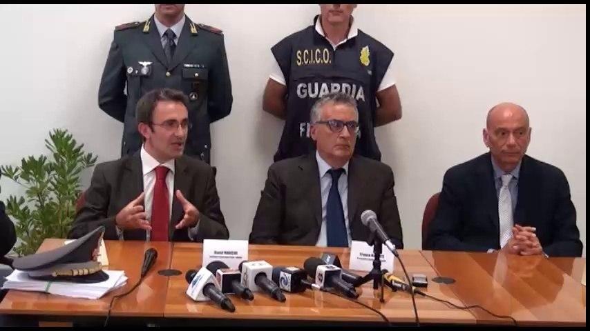 Una settimana tra arresti ed interrogatori e l'ombra della mafia sulla ricostruzione