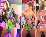 Jennifer Lopez suffers wardrobe malfunction on stage