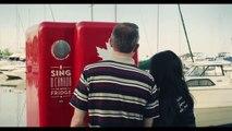 Un frigo remplit de bière Molson qui ne s'ouvre qu'au son de l'hymne canadien. Hilarant...