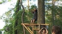 Il se prend pour Tarzan et n'aurait pas dû