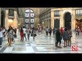 Napoli - Crolla cornicione della Galleria Umberto, grave un passante -1- (05.07.14)