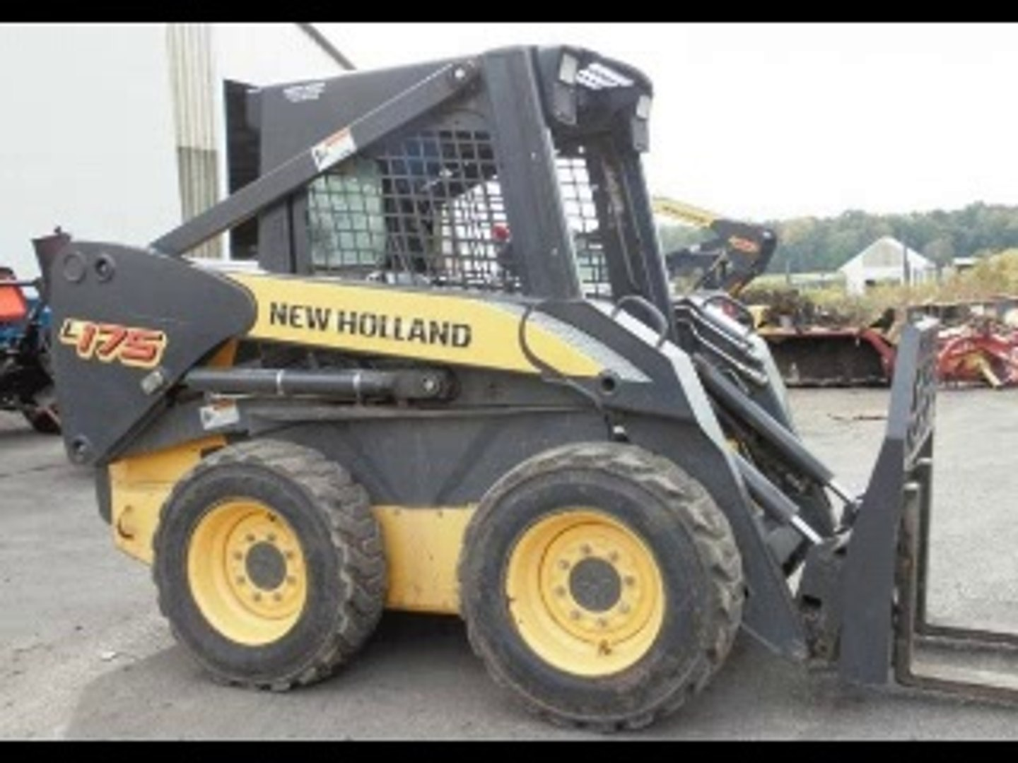 New Holland L175 C175 Skid Steer (Compact Track Loader) Service Parts  Catalogue Manual
