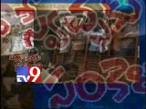 Journalists protest against ban Tv9 in Telangana, arrested
