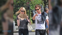 Anne Hathaway And Adam Shulman Steal Emma Stone And Andrew Garfield's Cute Paparazzi Sign Idea