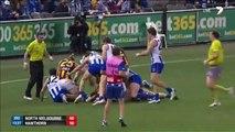 Joueur de foot Australien très violent - En mode étranglement!