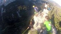 90m de Chute libre depuis une montagne, accroché à une corde : Rope jump 125 m