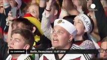 Les supporters allemands célèbrent la victoire en Coupe du Monde