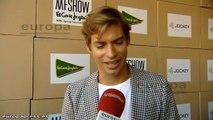 Carlos Baute, encantado con la firma de moda Jockey