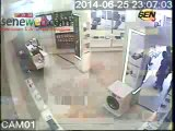 Le Film dun Vol en Flagran delit dans un Magasin Camera Surveillance.mpg