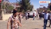 Midyat'ta Elektrik Kesintileri Protestosunda DEDAŞ Binası Taşlandı