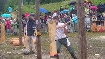 Fête des bucherons de Mijoux : démonstration d'Henri Maure