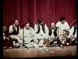 Lal Meri Pat Rakhiyo Bhala Jhoole Lalan - Kalam: Hazrat Lal Shahbaz Qalandar - Nusrat Fateh Ali Khan (Qawwal)