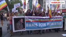 Barış İnisiyatifleri üyesi bir grup, Demirtaş için Tünel'den Galatasaray Lisesi'ne yürüdü -