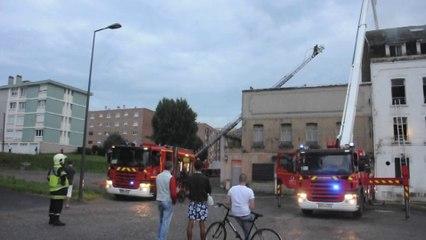 """Maubeuge : Un incendie ravage l'ancien hôtel """"Le Provençal"""""""