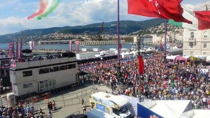 Les Frecce Tricolori (Flèches Tricolores) à l'arrivée du Giro d'Italia 2014 à Trieste