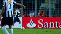 Brésil - Le meilleur de Ronaldinho avec Mineiro