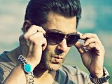 Salman Khan Insulted By Photographers