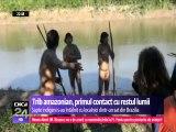 Șapte membri ai unui trib din jungla amazoniană au avut primul contact cu restul lumii