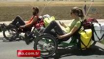 Fransız çiftin bisikletle dünya turu