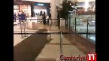 İstanbul'da bir AVM'yi su bastı