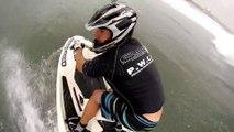 Incroyable backflip en Jetski filmé avec une GoPro