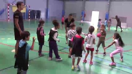 SPORTS VACANCES 2014     Tchoukball: les Chinois rencontrent les jeunes Tamponnais à Trois-Mares