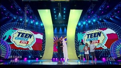 TEEN CHOICE AWARDS WRAP - ONE DIRECTION, ANSEL ELGORT, SELENA GOMEZ WIN BIG