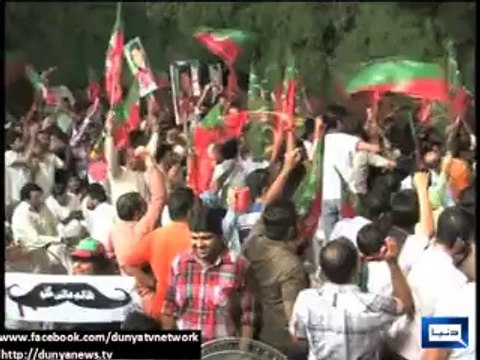 Containers, police can't stop us, army is with people- Imran Khan