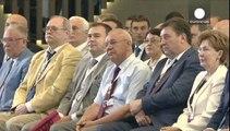 Putin habla de paz mientras visita Crimea