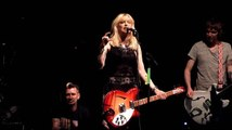 Courtney Love Cusses Out Beer Can Thrower At Concert