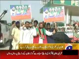 PTI Workers and Supporters from Peshawar didnt Paid any Tax at Toll