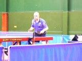 un fou au ping pong