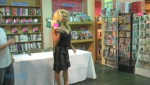 Pamela Anderson Stops Divorce Proceedings, Asks Judge To Dismiss Filing Against Husband Rick Salomon