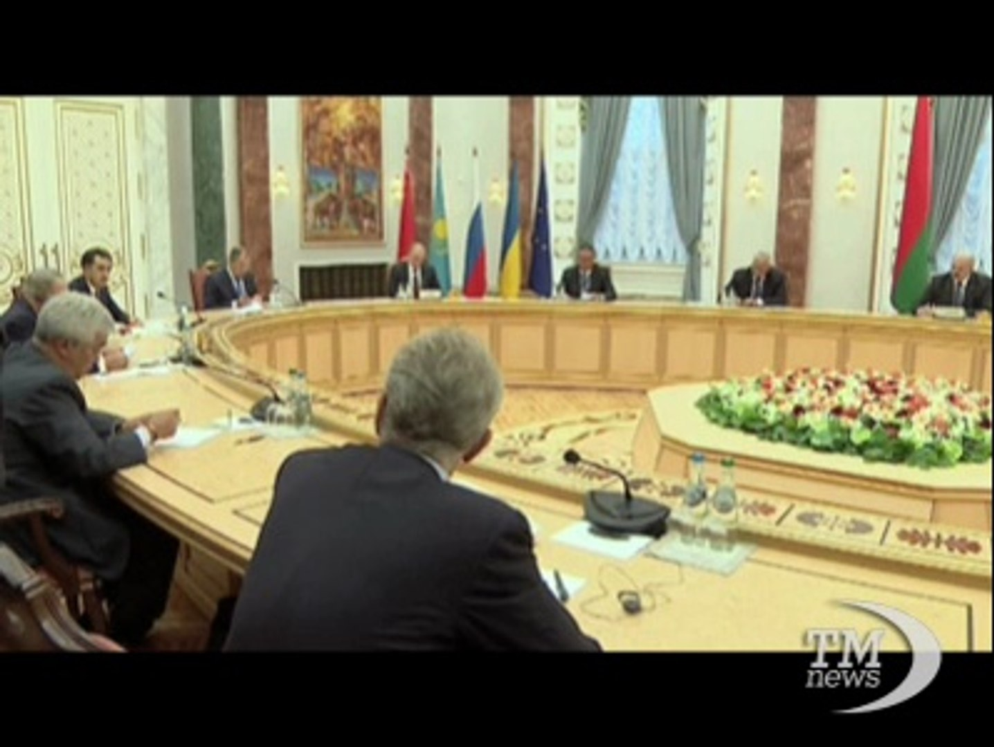Venti di pace in Ucraina, positivo il vertice a Minsk. Putin: pronti a tutto se si interrompono comb
