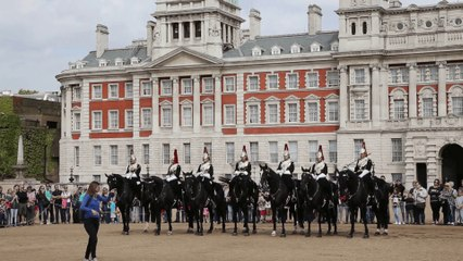Off the square ! Horse Guard Parade London