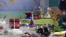 Cuisine marocaine Pillons de poulet aux aubergines et oignons confits  أفخاد الدجاج مع الباذنج... (HD)