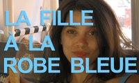 La fille à la robe bleue