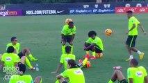 Barcelone : Neymar régale lors d'un entraînement du Brésil