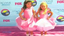 "Sophia Grace And Rosie Sing ""U Can't Touch This"" And Suddenly You're Charmed During Their Royal Adventure"