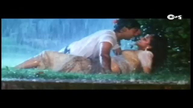 Pehli Barish Main Aur Tu - Phool Aur Kaante - Monsoon Song - Ajay Devgan