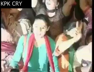 The Girl Zoya Ali ,Who Proposed Imran Khan, Dancing with a boy in PTI Sit-in