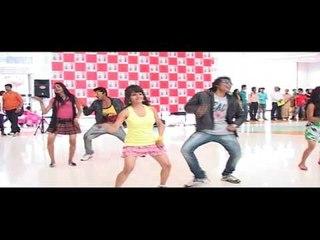 Flash Mob In The Mall - Dil Garden Garden Ho Gaya - Kyaa Super Kool Hain Hum