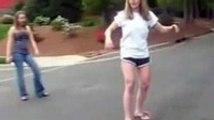 Skateboarding chick fail