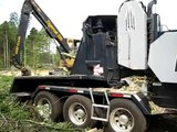 Bandit xl Whole Tree Chipper Chip Throwing Demo