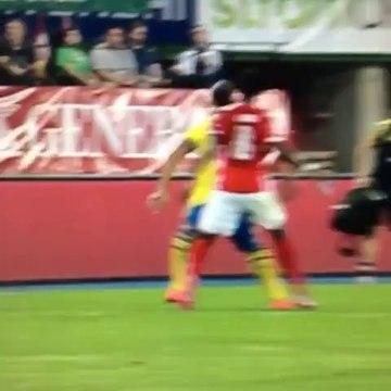 Ibrahimovic mit dem Ellenbogen-Check gegen Alaba!