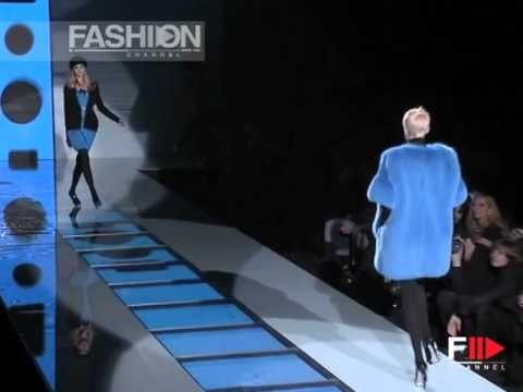 "Fashion Show ""Versace"" Autumn Winter 2007 2008 Pret a Porter Milan 2 of 3 by Fashion Channel"
